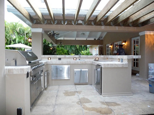 Stainless Steel Countertrops In Outdoor Kitchens