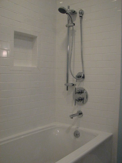 Custom Shower Surrounds With Shampoo Niches
