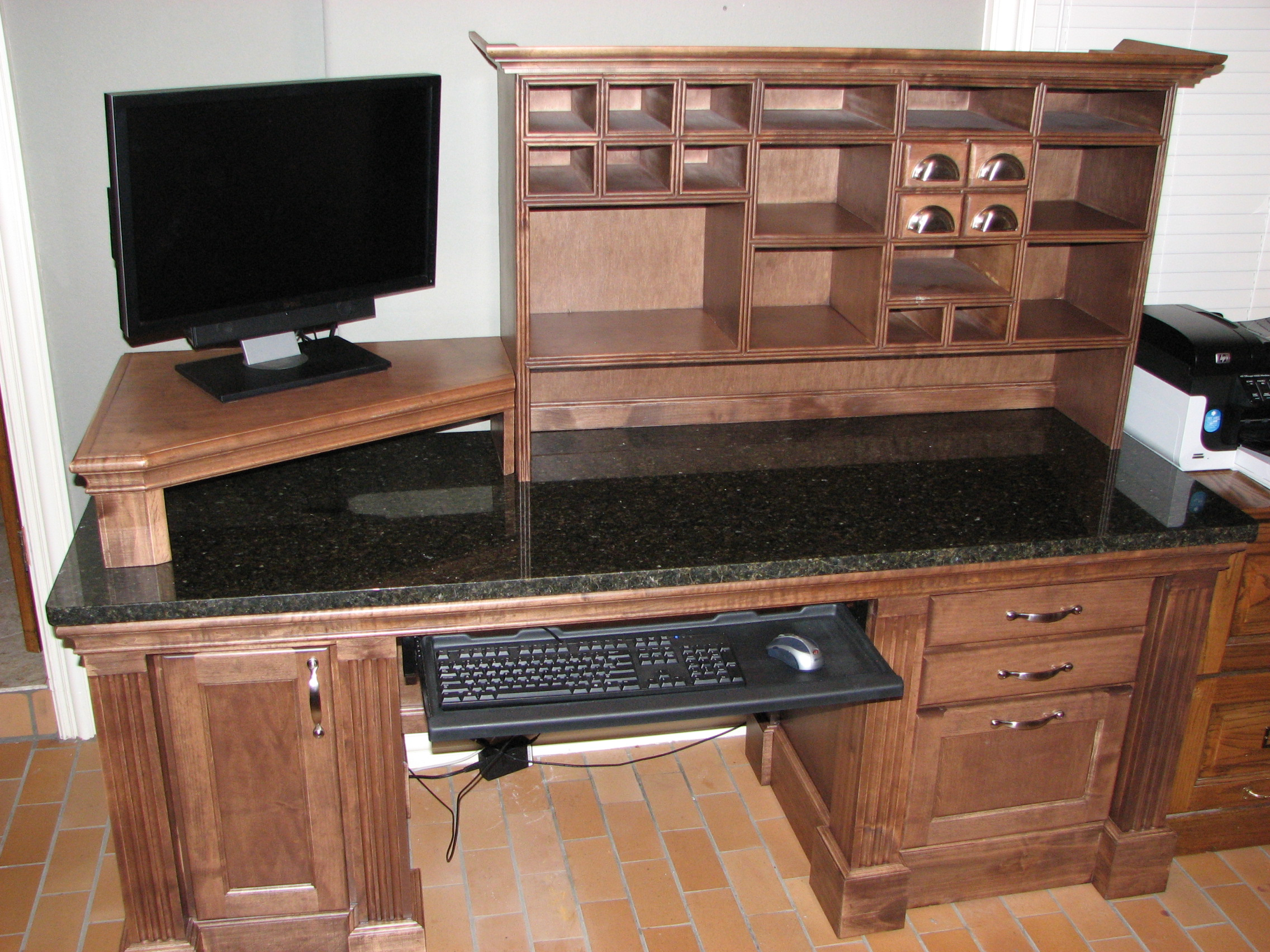 Desks and workstations