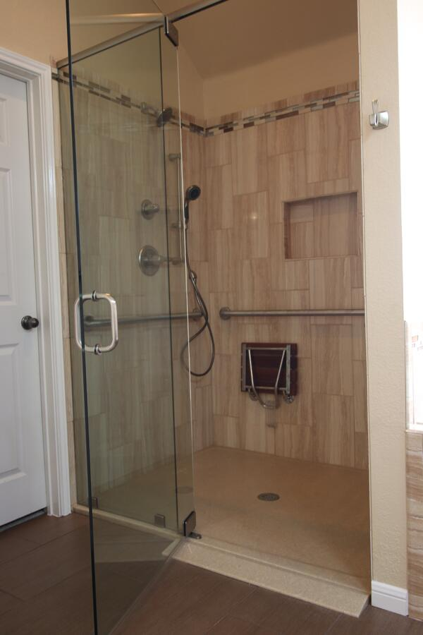 Austin, Texas Wheelchair Accessible Showers
