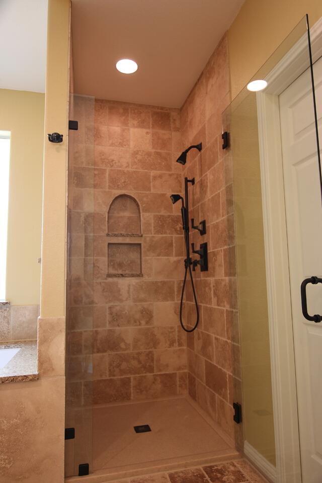 universal design/build roll in showers