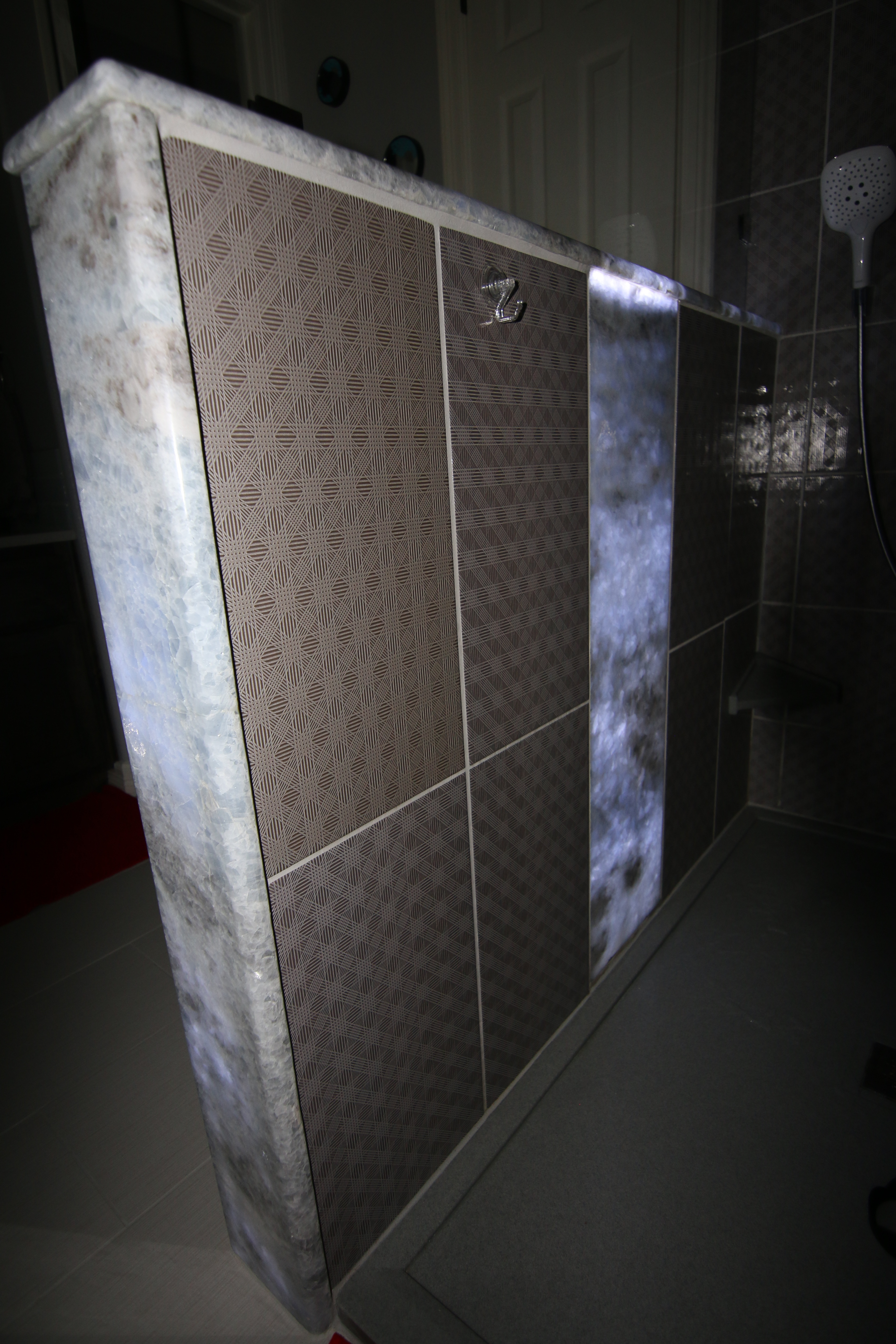 Fine Bathroom Makeovers With Backlit Onyx Panel