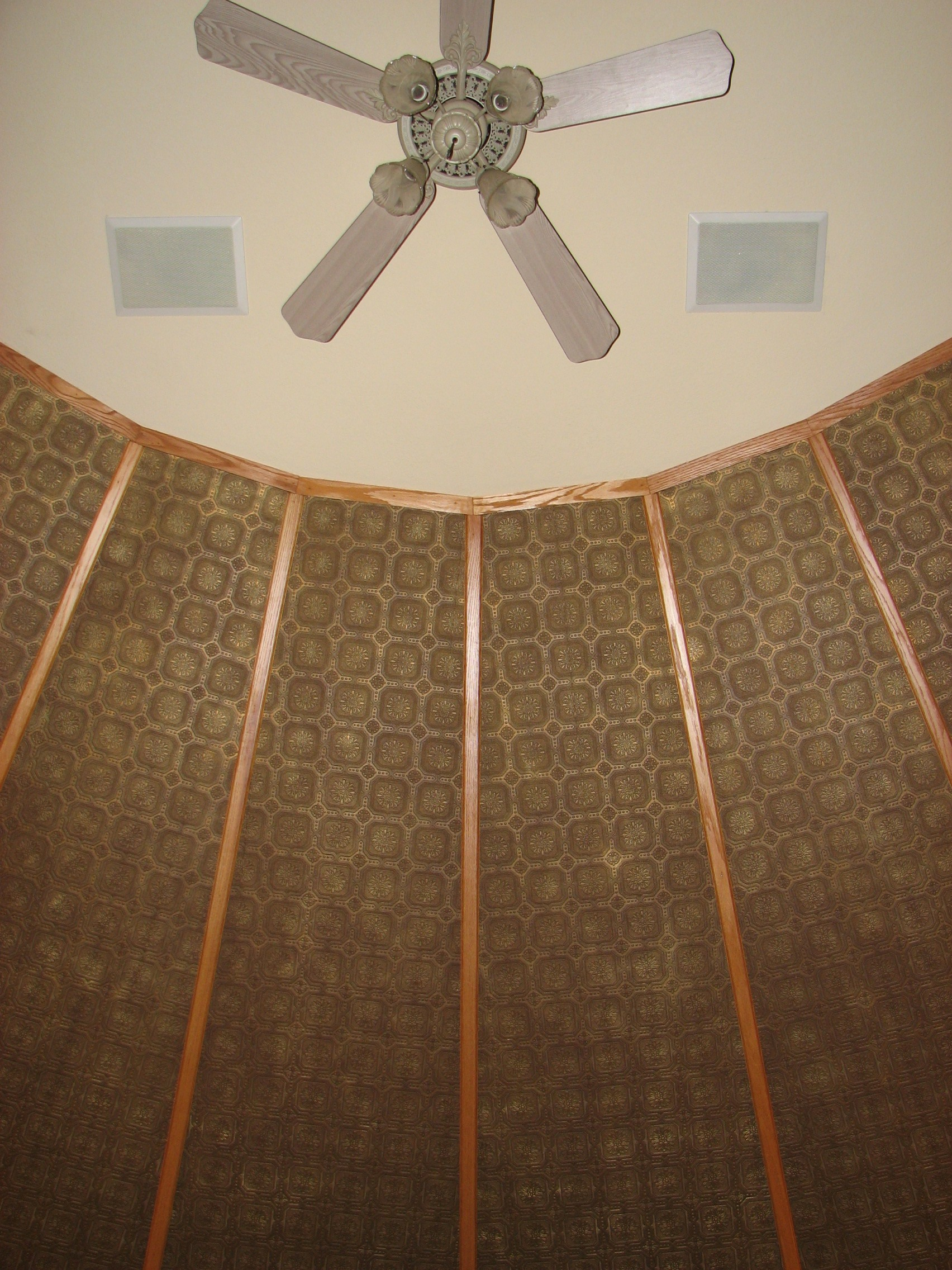 Faux Tin Ceiling With Oaks Hips